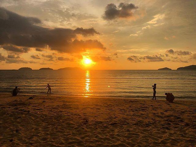 1525169416 #sunset #suteraharbour #kutakinabalu #holiday #travel #beach