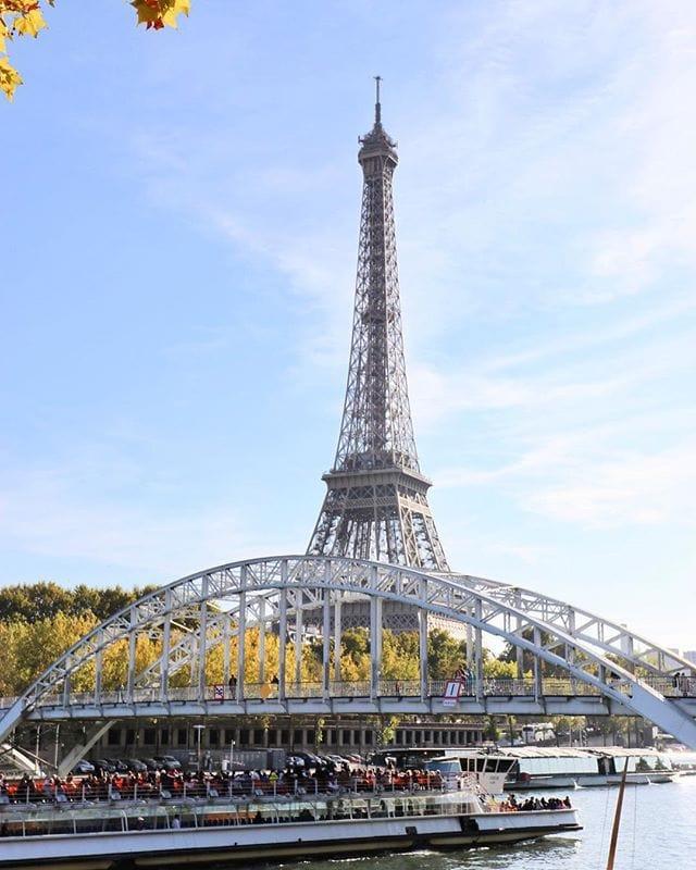 1539021371 #paris #travel #France #seine #bateau