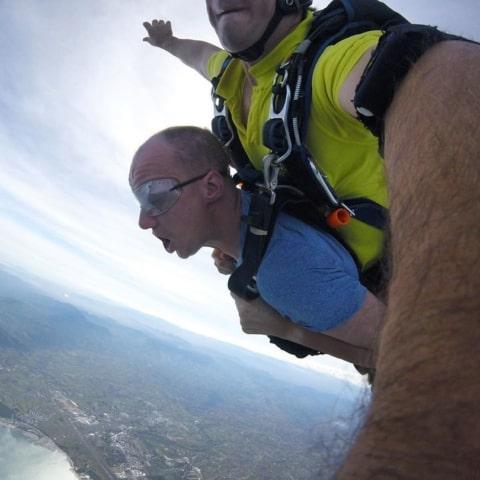 lete28099s-jump-f09fa4aaf09f9bab-sky-dive-480x480 Home